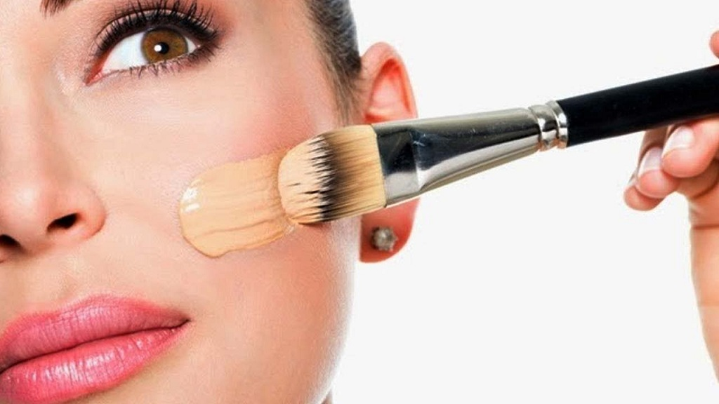 Problems During Makeup on Oily Skin and Remedies